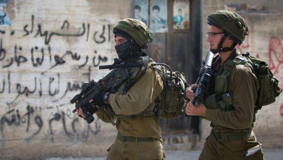 Des soldats israéliens au sud de la ville de Naplouse en Cisjordanie, août 2016. Majdi Mohammed, AP